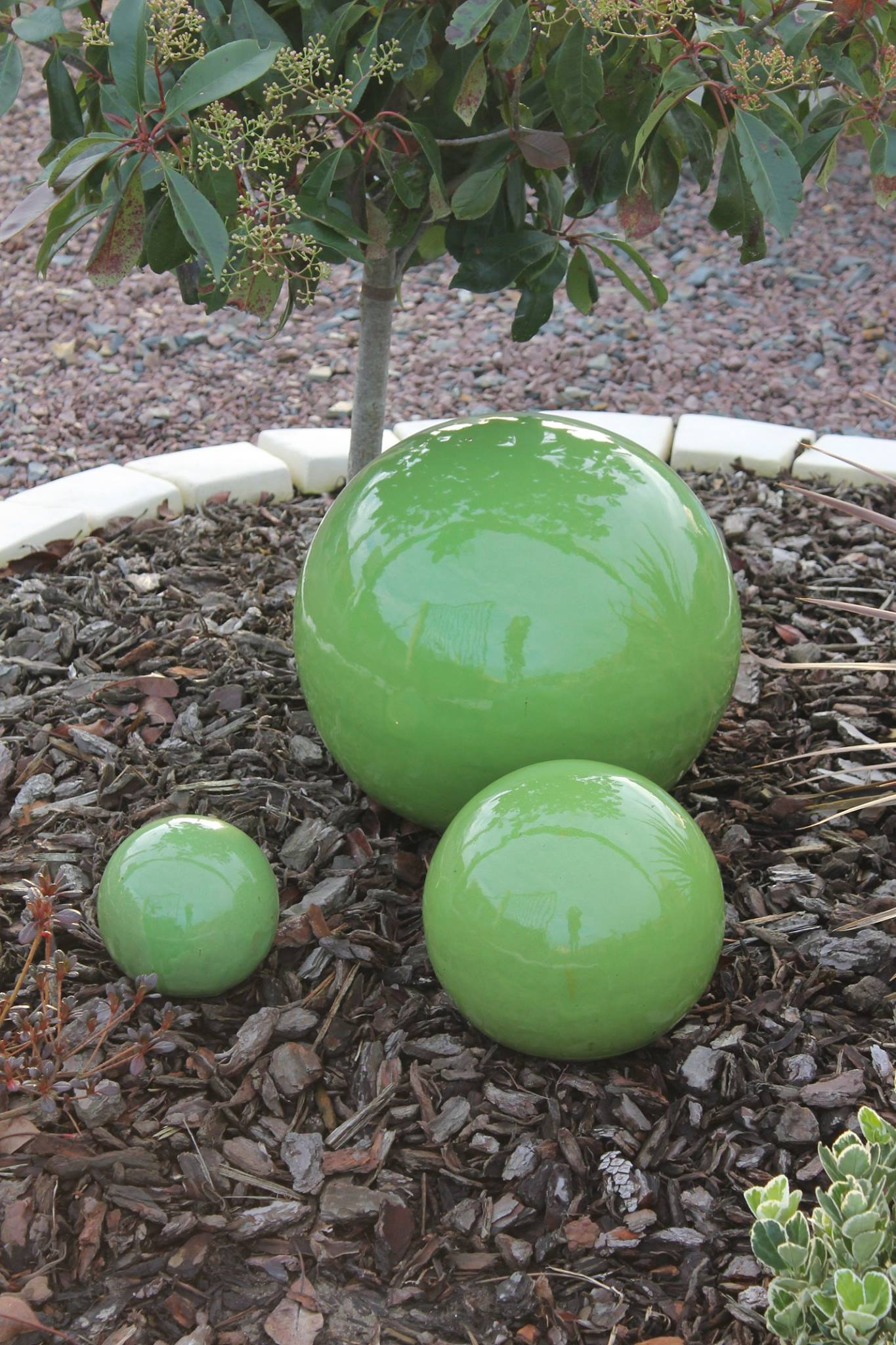 Deco jardin boule decorating ideas - Decoration exterieure jardin ...